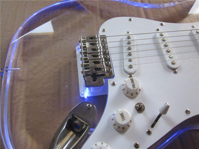 Crystal Fender Stratocaster (2/6)