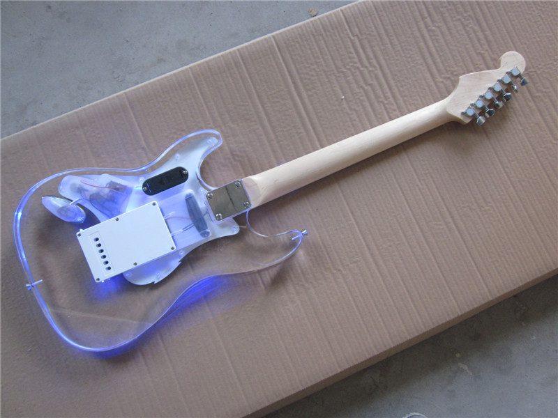 Crystal Fender Stratocaster (3/6)