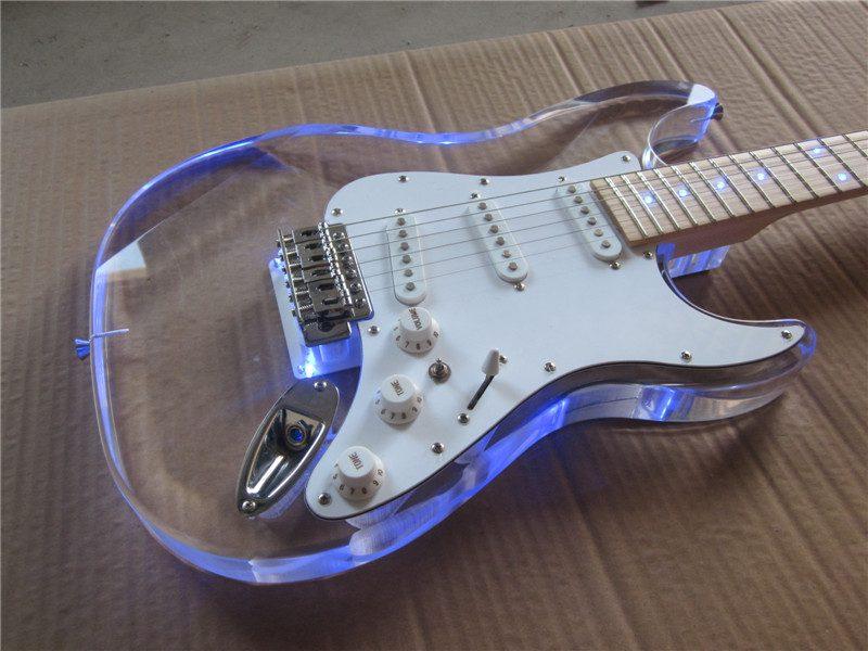 Crystal Fender Stratocaster (6/6)