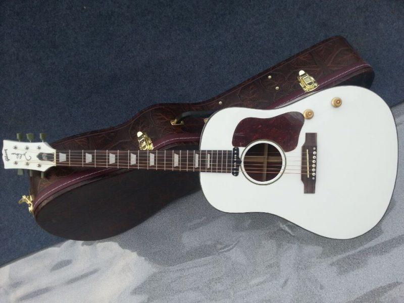 Gibson John Lennon Gallery (8/17)