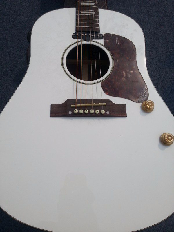 Gibson John Lennon Gallery (16/17)