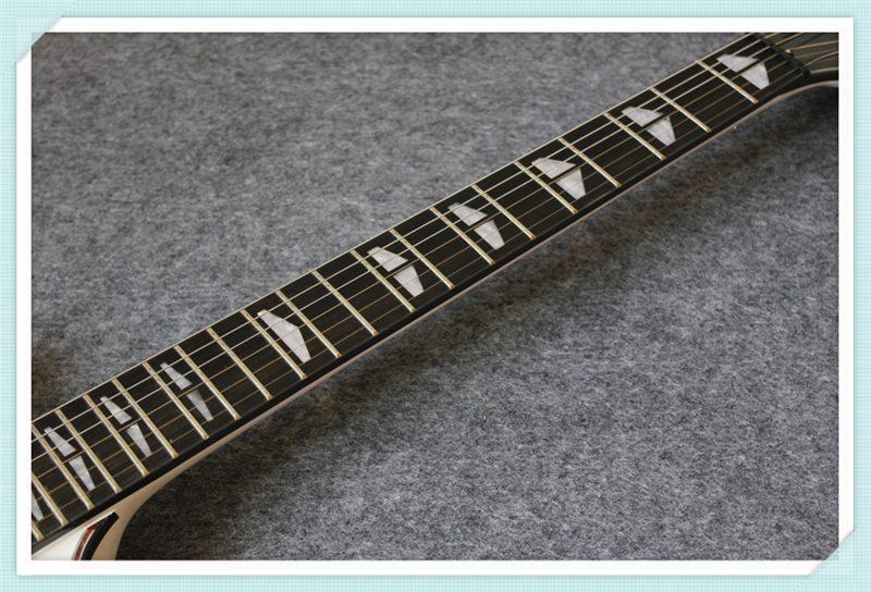 Yamaha SG 200 (3/6)